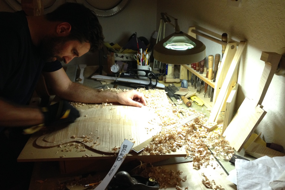 people cool jobs page people cool jobs woodrow thomson luthier